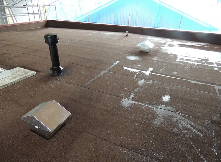 Flat Roof Installation : Sbs roof torch on modified bitumen waterproof