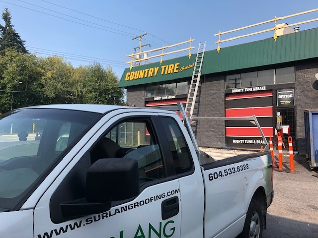 Roof replacement in Surrey, BC
